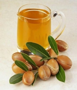 The Essential Guide to Argan Oil Benefits and Uses