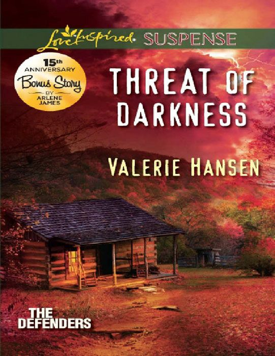 Threat of Darkness (Mills & Boon Love Inspired Suspense) (The Defenders - Book 2)