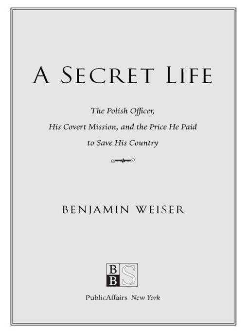 A Secret Life By: Benjamin Weiser