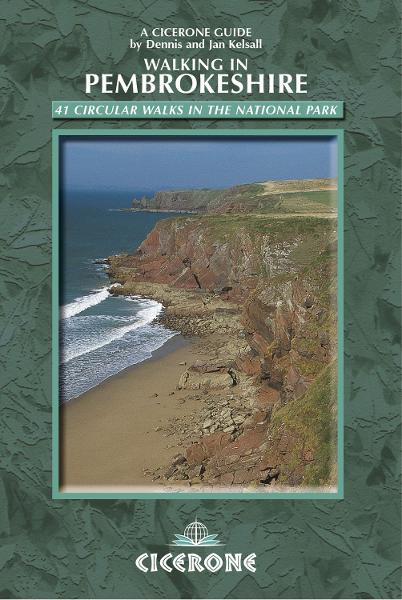 Walking in Pembrokeshire By: Dennis Kelsall,Jan Kelsall