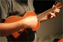 How to Play the Ukulele