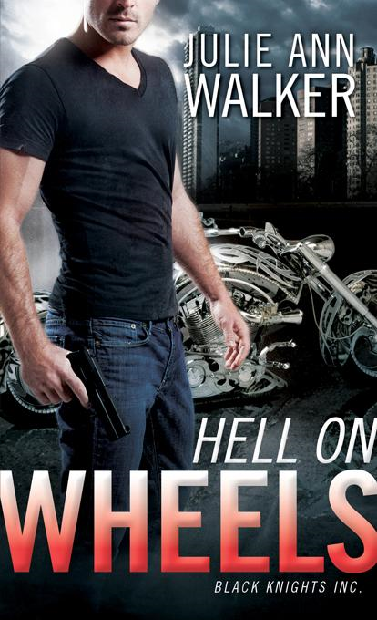 Julie Ann  Walker - Hell on Wheels: Black Knights Inc.
