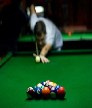 Learn To Play Pool and Billiards: An Informative Guide For Beginners